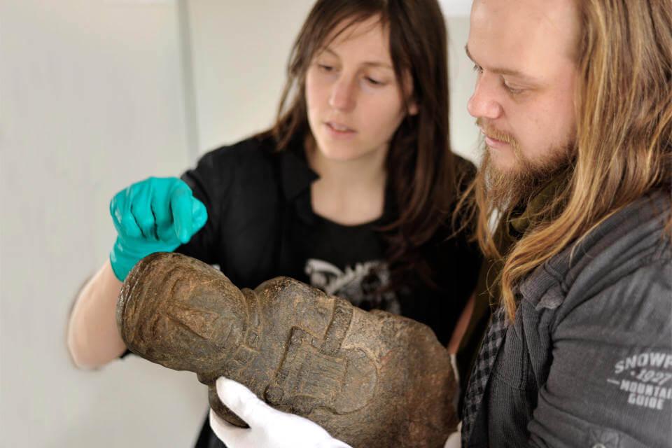 Numérisation 3D de la stèle gauloise du Barde à la Lyre